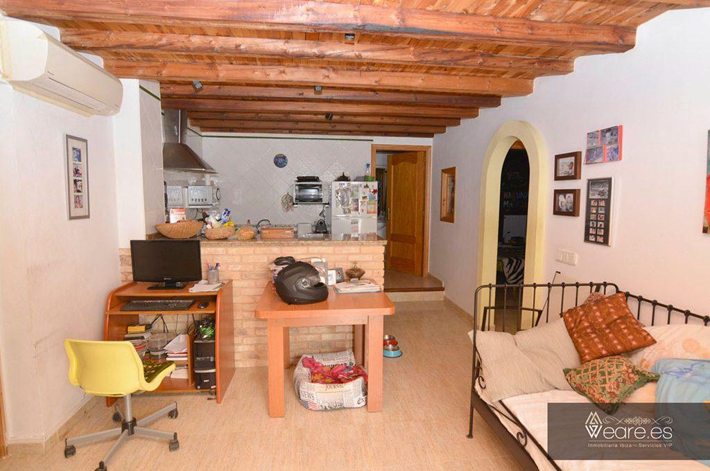 4528934643-villa-de-7-habitaciones-con-apartamento-anexo-y-piscina-1