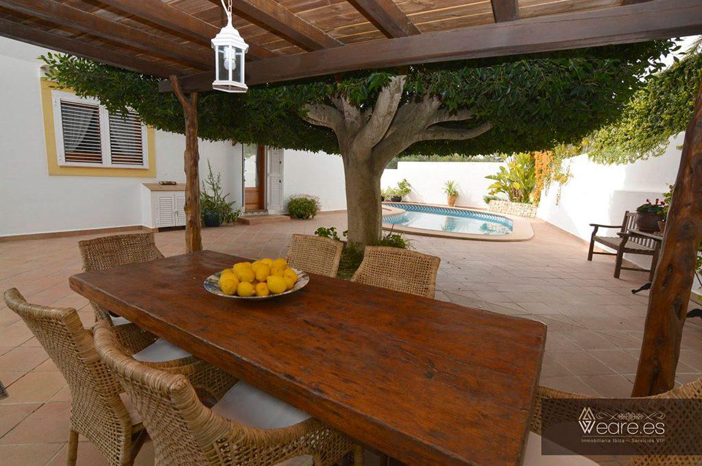 4528934643-villa-de-7-habitaciones-con-apartamento-anexo-y-piscina-14