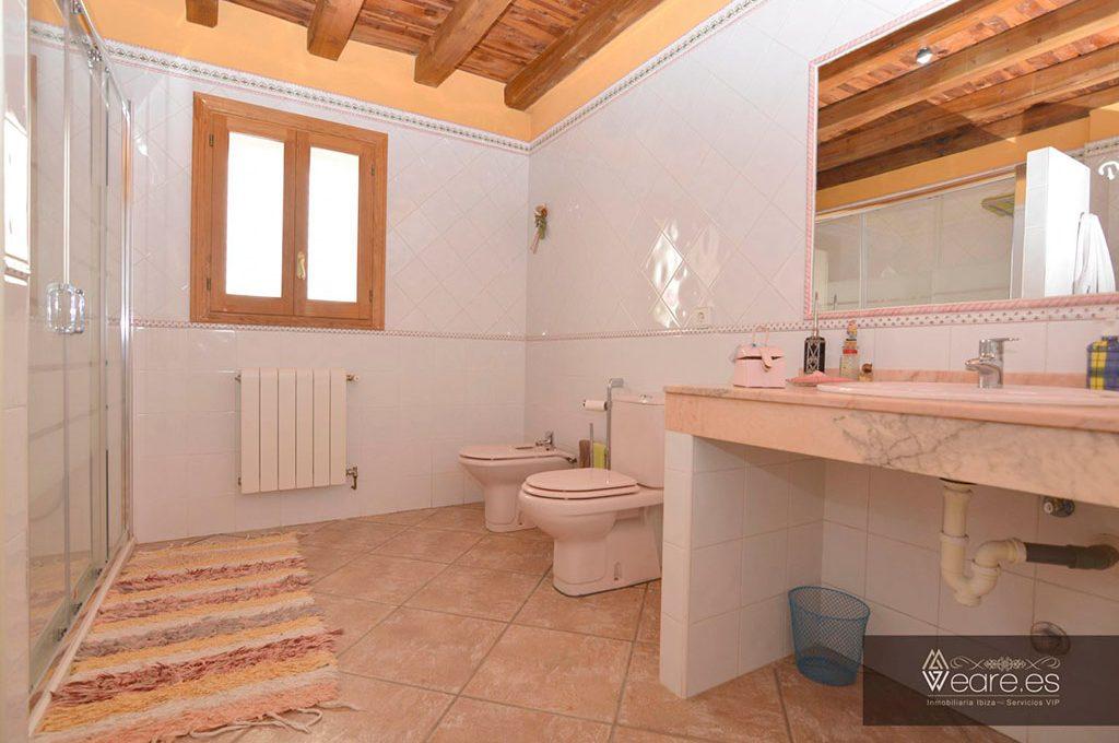 4528934643-villa-de-7-habitaciones-con-apartamento-anexo-y-piscina-16