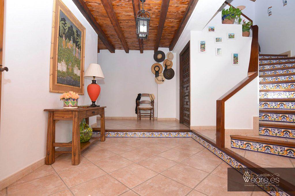 4528934643-villa-de-7-habitaciones-con-apartamento-anexo-y-piscina-2