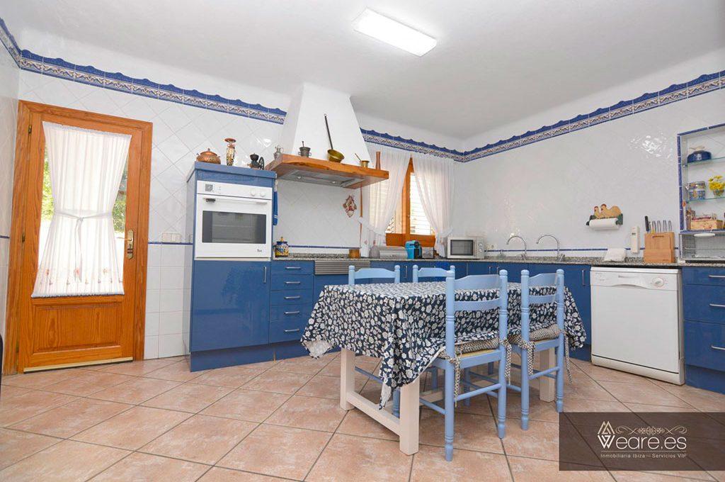 4528934643-villa-de-7-habitaciones-con-apartamento-anexo-y-piscina-5