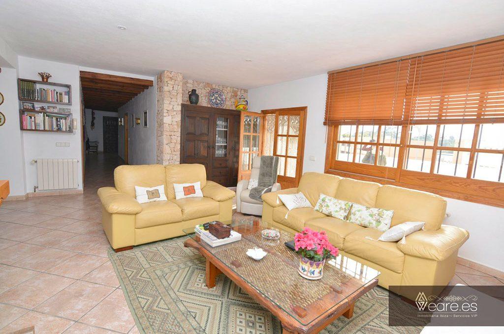 4528934643-villa-de-7-habitaciones-con-apartamento-anexo-y-piscina-6