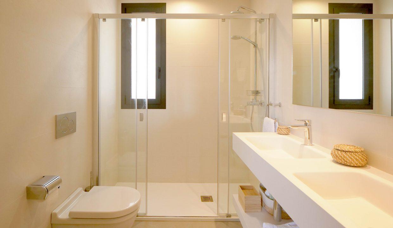 Bathroom 2ii
